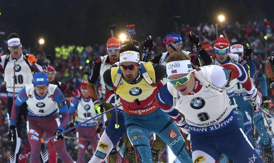 Martin Fourcade, maillot jaune, remporte sa septième course en huit épreuves individuelles depuis le début de la saison.