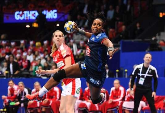 Laurisa Landre et les Françaises ont dominé le Danemark dans le match pour la troisième place.