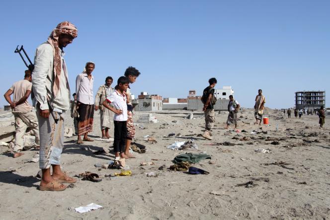 Dans la base d'Al-Sawlaban, après l'attentat-suicide, dimanche 18 décembre.
