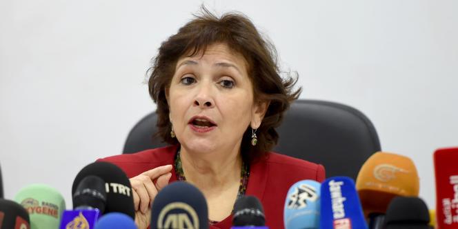 La président de l'Instance vérité et dignité, Sihem Bensedrine lors d'une conférence de presse le 14 novembre 2016 à Tunis.