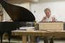 Le restaurateur de pianos Joel Jobé dans son atelier de Lournand (Bourgogne) le 16 décembre.