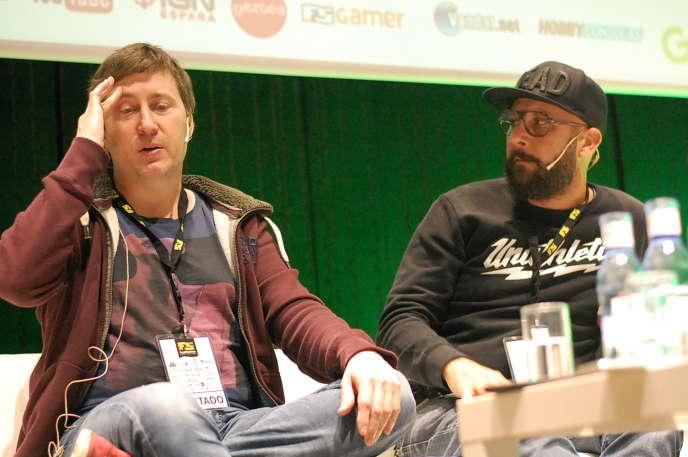 Harvey Smith (à gauche), aux côtés de Sébastien Mitton, respectivement réalisateur et directeur artistique de «Dishonored 2».