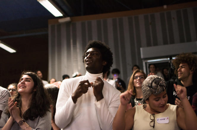 Avant le début des joutes verbales opposant les deux étudiants participant au concours, un concert de rap a été organisé.