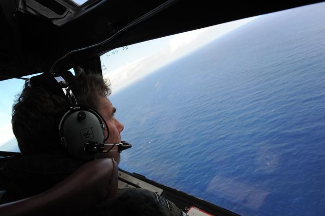 Un pilote néo-zélandais participe aux recherches du vol MH370.