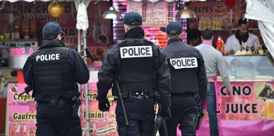 Avec leurs dimensions religieuses et festives, les fêtes de Noël présentent              « évidemment» un risque estime le patron de la police françaises.