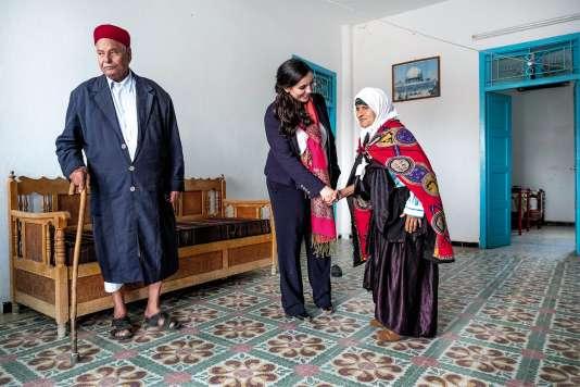 Sarah Toumi chez ses grands-parents, en Tunisie.
