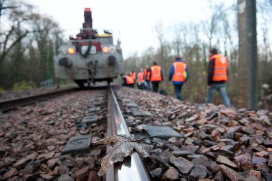 Travaux de maintenance sur la ligne D du RER, à Villeneuve-Saint-Georges, dans le Val-de-Marne, en novembre.