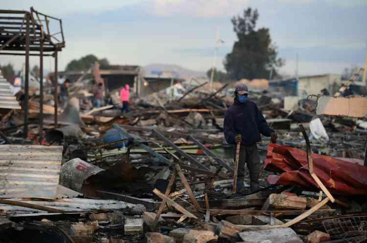 Au moins 32 personnes sont portées disparues et les autorités tentent dedéterminersi elles figurent parmi les victimes de l'explosion.