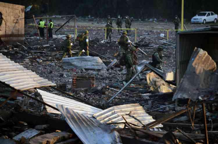 Des militaires et des policiers ont été déployés sur place pouraiderles secours àévacuerles victimes.