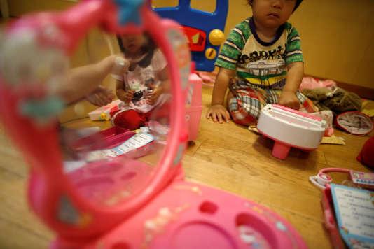 Moins d'un million d'enfants sont nés en 2016 au Japon.