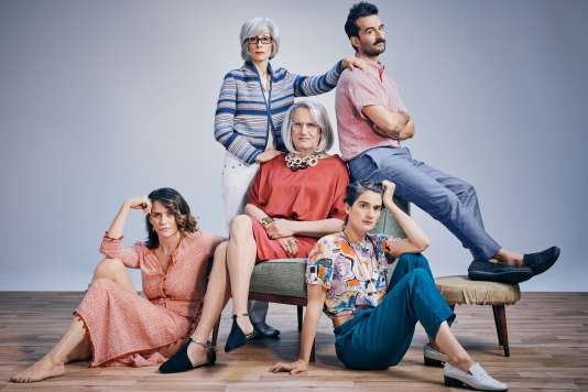 La série a valu plusieurs Emmy Awards à son acteur principal, Jeffrey Tambor, et à sa créatrice, Jill Soloway.