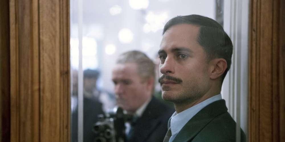 En quinze ans de carrière, l'acteur mexicain, qui incarne le policier aux trousses de Pablo Neruda dans le film de Pablo Larrain, a tourné dans quasiment tous les pays du sud du continent.