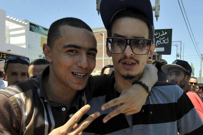 Le rappeur Weld El 15, en compagnie de son acolyte Emino, à Tunis, le 13 juin 2013.