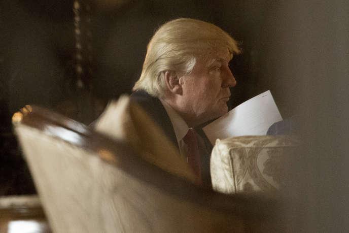 De sa résidence à Mar-a-Lago en Floride, Donald Trump a donné une conférence de presse pour annoncer la nouvelle.