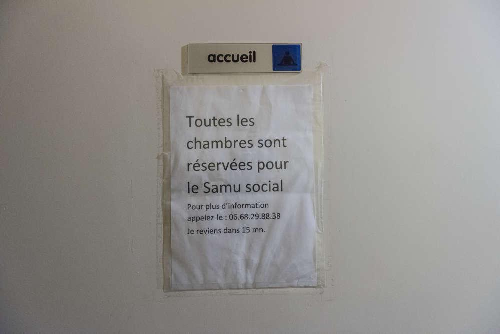 Le 15 décembre, dans les couloirs de l'hôtel Moderne d'Aubervilliers (Seine-Saint-Denis), un des hôtels loués par le SAMU social.