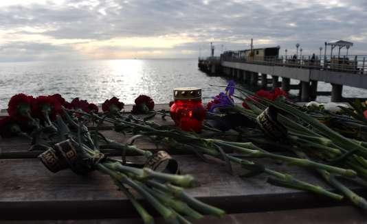 Hommage rendu aux victimes du crash du Tupolev, à Sotchi, le26décembre.