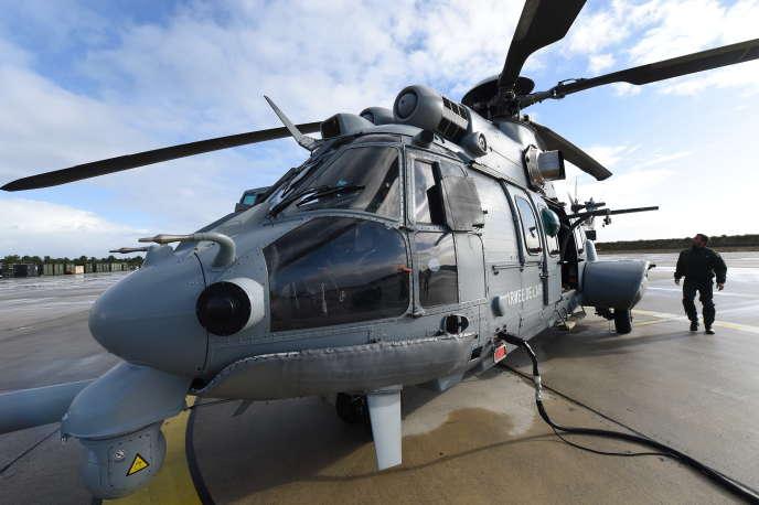 Parmi les gros contrats conclus en 2016, la vente d'hélicoptères Caracal (icià Cazaux, en Gironde, en novembre) d'Airbus au Koweït.