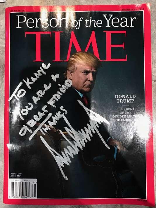 Photographie de la « Une» du magazine américain « Time» dédicacée par Donald Trump à son« grand ami» Kanye West, qui l'a postée le 14 décembre sur son compte Twitter.
