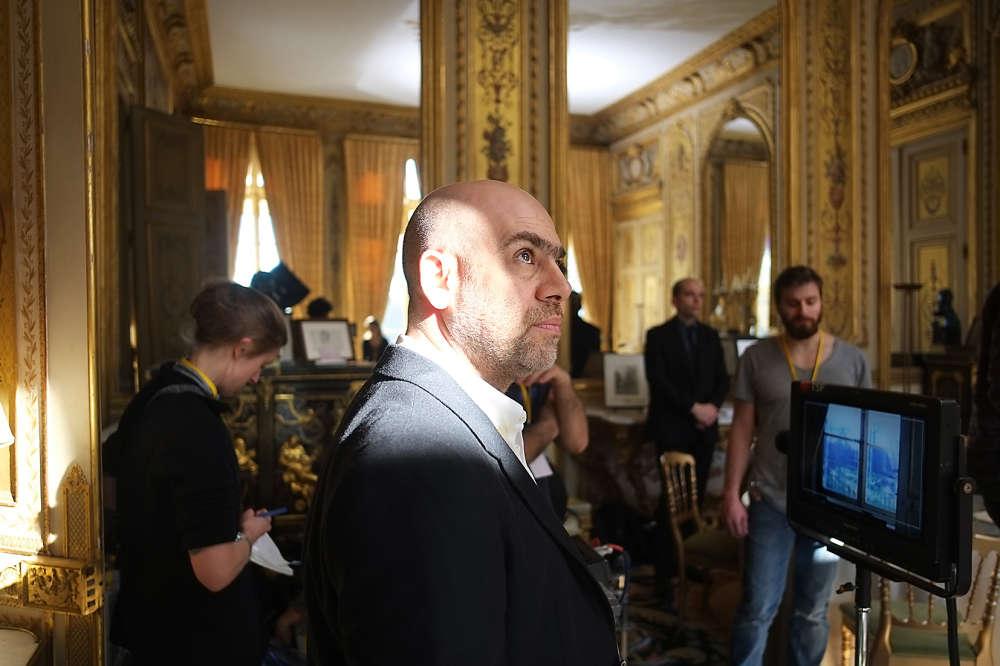 Sur le tournage de la vidéo« Élysée», de Laurent Grasso.