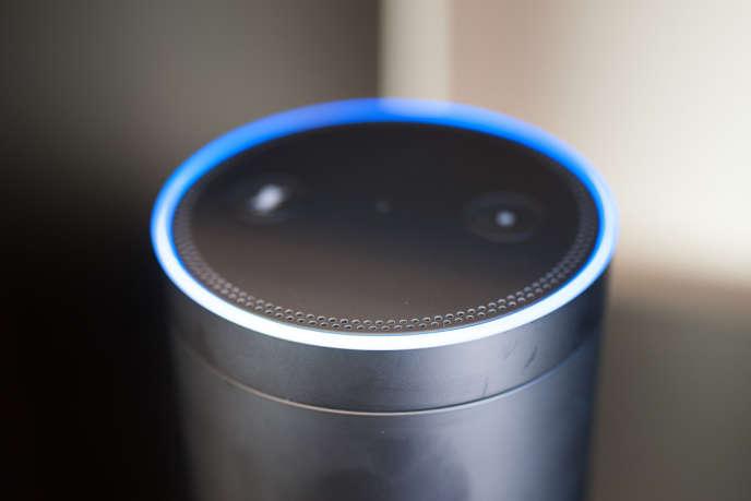 L'enceinte Echo d'Amazon, qui abrite l'assistant à commande vocale «Alexa».