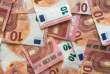 « Si une femme gagne 1 400 euros par mois et son mari 2 800 euros, le taux d'impôt calculé sur le revenu moyen du couple sera de 8,01 %. Mais le taux correspondant au salaire de la femme n'est que de 1,08 %. »