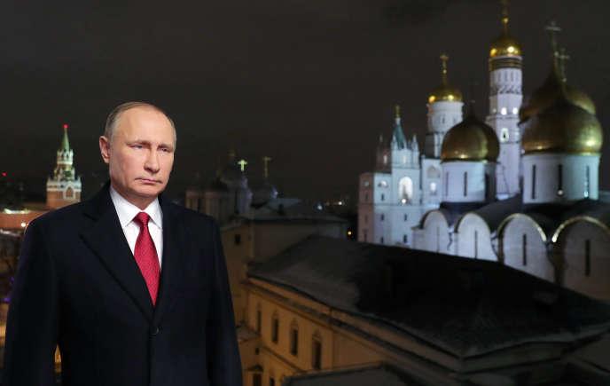 Depuis le Kremlin, le président Vladimir Poutine adresse ses vœux à la nation russe, le 31 décembre.