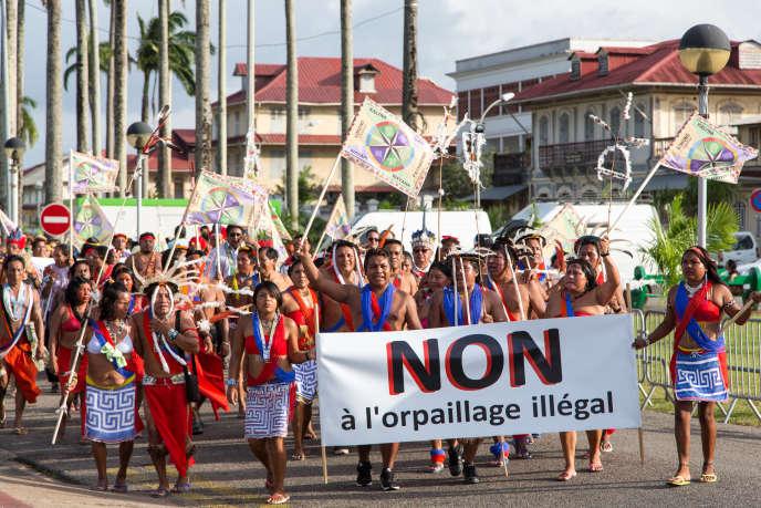 Marche contre l'orpaillage illégal à Cayenne, le 9 août 2013.