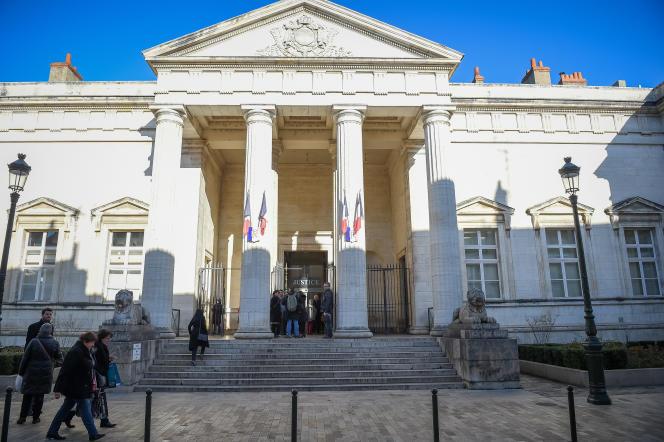 «La comparution immédiate – ces anciens «flags» si décriés – est une justice qui n'en a plus que le nom» (Photo: tribunal d'Orléans, décembre 2016).