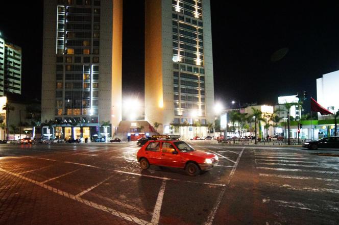 Souvent, deux chauffeurs se partagent une seule voiture, l'un travaillant le jour, l'autre la nuit.