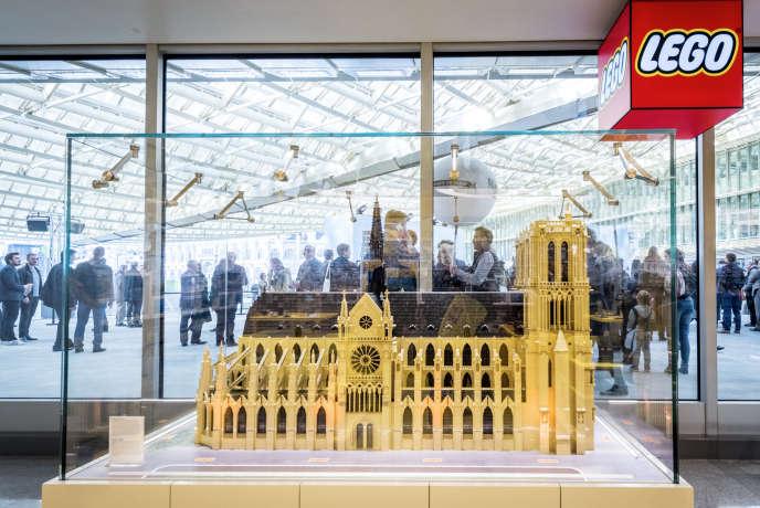 Lego Store au Forum des Halles à Paris, en avril 2016.