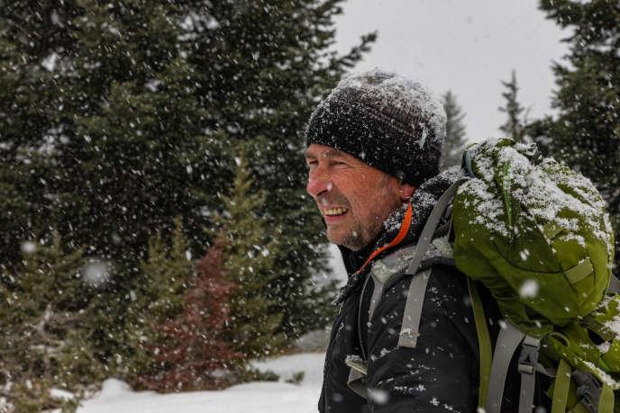 Jean-Michel Bertrand, cinéaste et réalisateur du film« La Vallée des loups», dans les Hautes-Alpes.