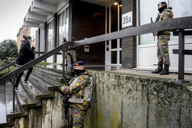 Devant la cour d'appel d'Anvers, le 27 janvier 2016.