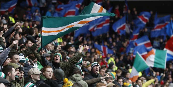 Les fans du Rangers et du Celtic lors du derby, le 31 décembre 2016, à l'Ibrox Stadium.