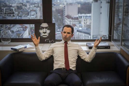 Benoit Hamon, l'un des promoteurs du revenu unversel, dans son QG de campagne, le 3 janvier à Paris.