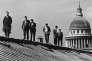Elèves de l'Ecole normale supérieure sur le toit de l'établissement de la rue d'Ulm, à Paris, dans les années 1950Jean-Philippe Charbonnier/Rapho