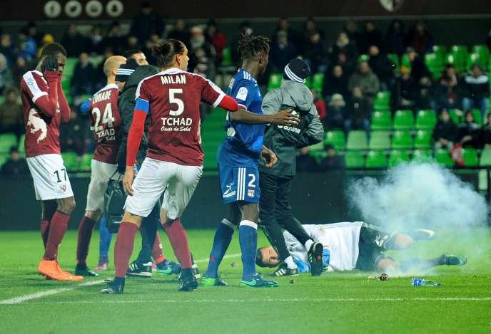 Le 3 décembre à Saint-Symphorien lors du match Metz-Lyon.