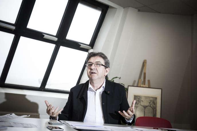 Jean-Luc Mélenchon est candidat à l'élection présidentielle de 2017, « hors cadre de partis » et sans le Front de Gauche, mais au nom du mouvement « La France insoumise » qu'il fonde en février 2016.