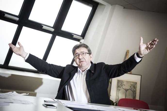 Jean-Luc Mélenchon, dans ses bureaux de campagne, à Paris, le 4 janvier.