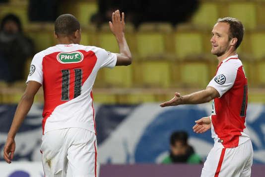 Le Monégasque Valère Germain (à droite) célèbre son but face à Ajaccio, en 32es de finale de Coupe de France, le 6 janvier au stade Louis-II.