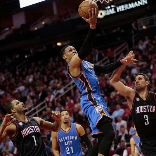 Russell Westbrook du Oklahoma City Thunder lors de la rencontre contre les Houston Rockets, le 5 janvier à Houston au Texas.