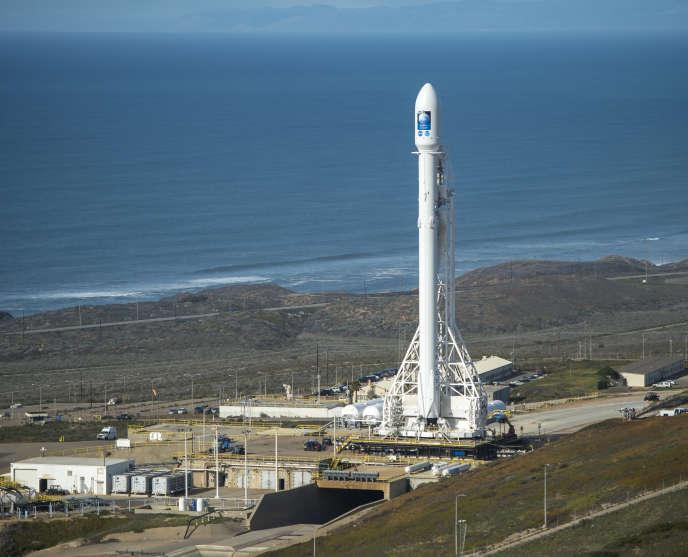 La fusée Falcon-9, en janvier 2016, en Californie.