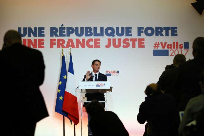 Manuel Valls, à Paris, le 3 janvier.