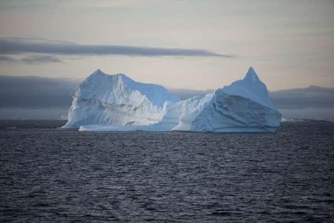 Un iceberg dans la péninsule antarctique.