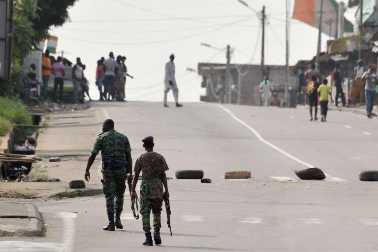 Des soldats dans les rues d'Abidjan, le 7 janvier.