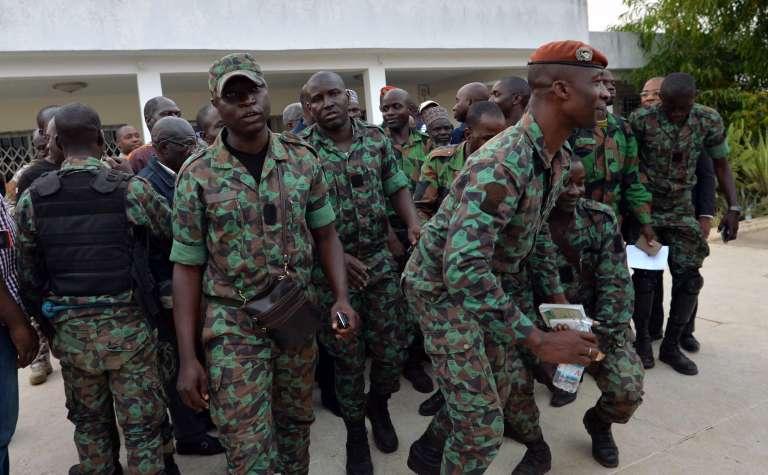 Une délégation de soldats mutins le 7 janvier à Bouaké, après l'annonce par le présidentAlassane Ouattara d'un accord pour leur payer des primes.