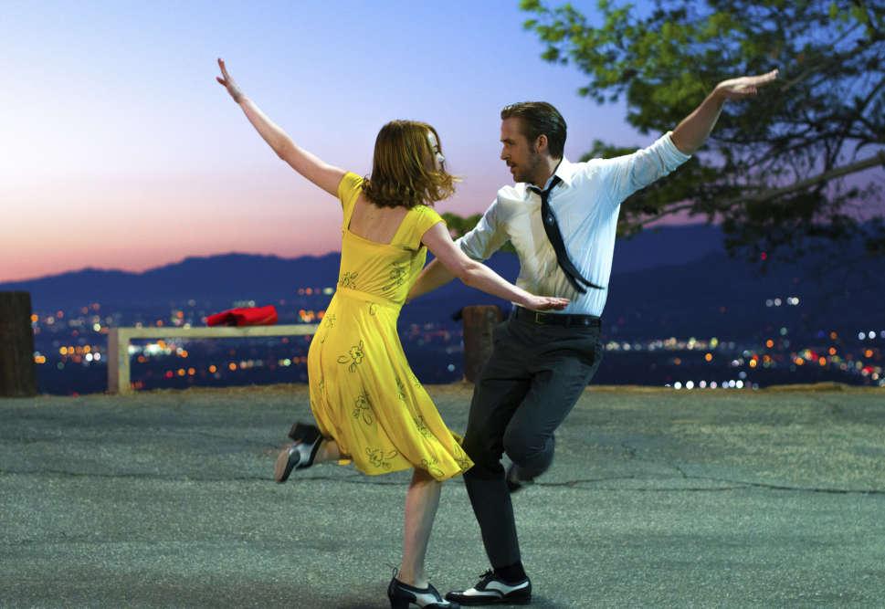 Nommé sept fois,« La La Land» repart avec sept récompenses : meilleure bande-son, meilleure chanson originale, meilleur scénario, meilleur réalisateur, meileur film dans la catégorie comédie, meilleure actrice et meilleur acteur dans une comédie.