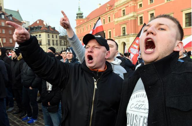 Des partisans de Pegida (Patriotes européens contre l'islamisation de l'Occident), le 6 février 2016 à Varsovie.