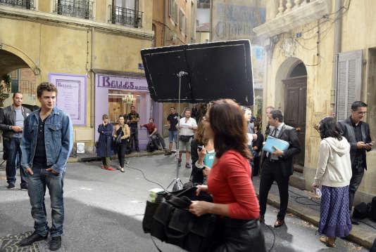 Lors du tournage de la série diffusée sur France 3 « Plus belle la vie », à Marseille, en 2012