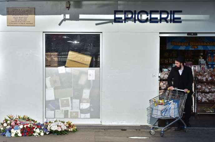 Le supermarché Hyper Cacher de la porte de Vincennes à Paris le 5 janvier.