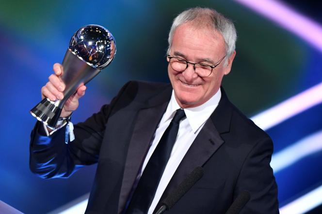 Claudio Ranieri a été désigné meilleur entraîneur en 2016, après son titre de championd'Angleterre avec Leicester.